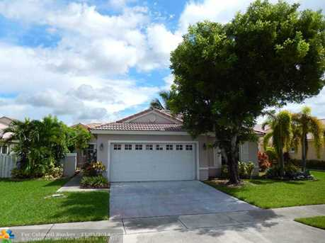 18831 NW 11th St - Photo 1