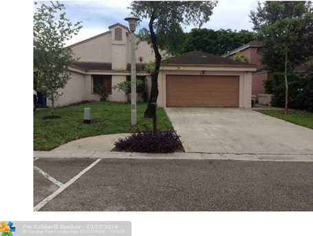 2070 NW 34th Ave - Photo 1