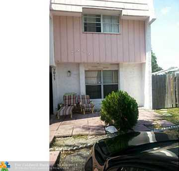 7911 SW 8th St, Unit # 7911 - Photo 1