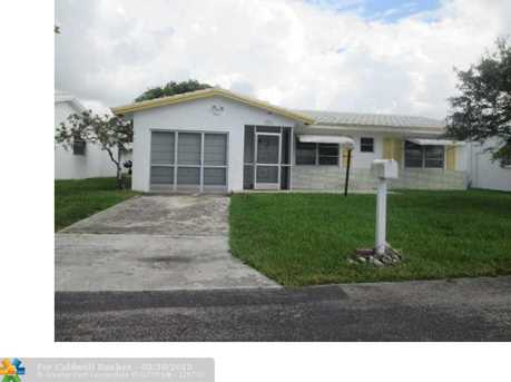 8961 NW 13th St - Photo 1