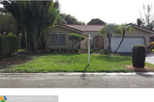 9041 NW 27th Pl - Photo 1
