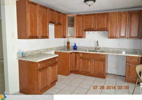4270 NW 10th St - Photo 1