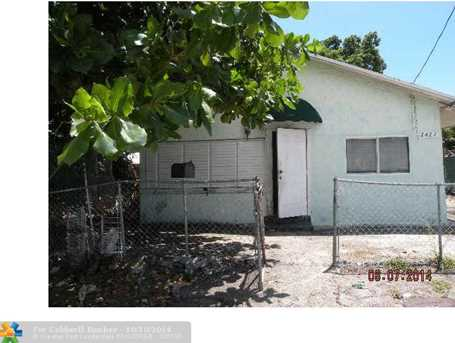 2427 NW 7th Pl - Photo 1