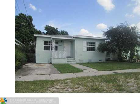 1601 NW 64th St - Photo 1