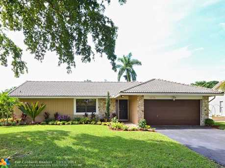 10714 NW 21st St - Photo 1