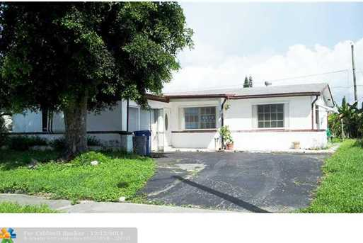 9041 NW 26th St - Photo 1