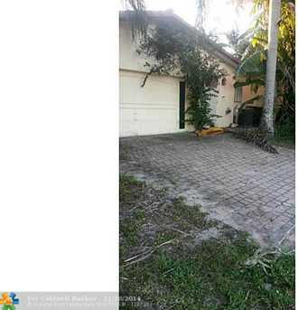 5640 SW 5th St - Photo 1