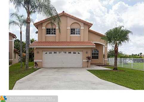 661 SW 176th Ave - Photo 1