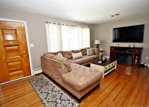 355 Rockland Ave - Photo 2