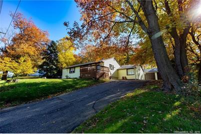 801 New Haven Ave Milford Ct 06460 Mls 170190462 Coldwell Banker