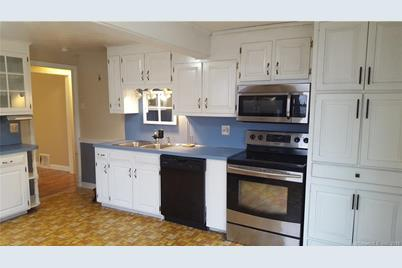 27 Beckwith Dr Plainville Ct 06062 Mls 170259830 Coldwell Banker