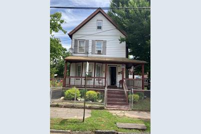 586 Hollister Avenue - Photo 1