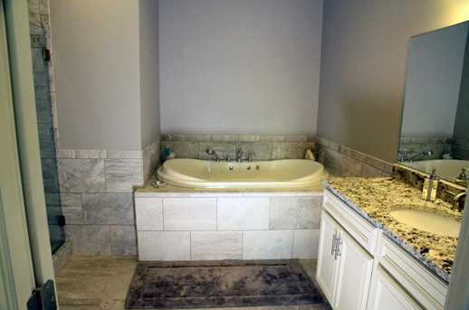586 West Thames Street #601 - Photo 22