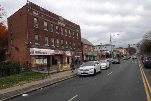 442 New Britain Avenue - Photo 2