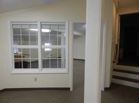 189 Middlesex Avenue - Photo 8