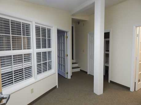189 Middlesex Avenue - Photo 4