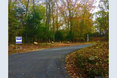 15 Meadow Woods Road - Photo 1