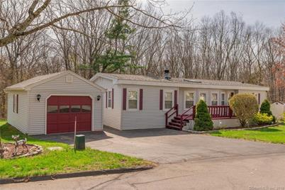 52 colchester cmns colchester ct 06415 mls 170080104 coldwell rh coldwellbankerhomes com