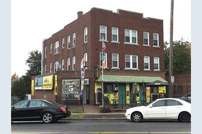 938 Maple Avenue - Photo 1