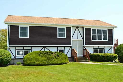 37 Sakonnet Blvd - Photo 1