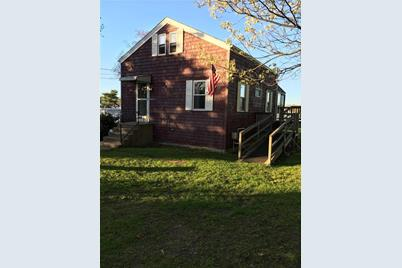 18 Waterfront Dr - Photo 1