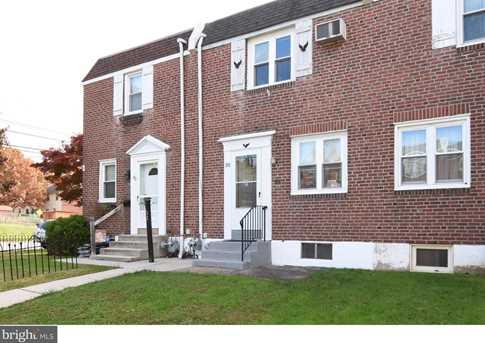30 Rosemont Avenue - Photo 1