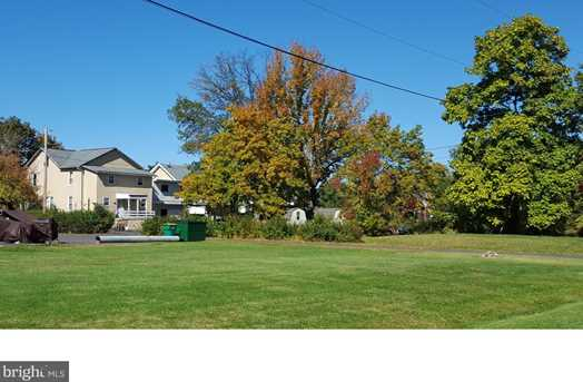 L:9-001 Lawn Ave - Photo 18