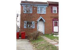 242 E Chestnut Street - Photo 1