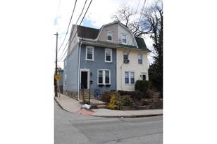 122 E Spring Avenue - Photo 1