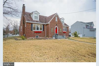 296 E Browning Road - Photo 1