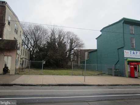 7050 Woodland Ave - Photo 1