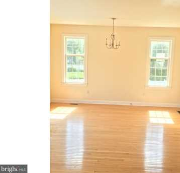 501 Forest Hills Avenue - Photo 8