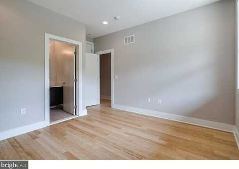 906 N Front Street - Photo 16