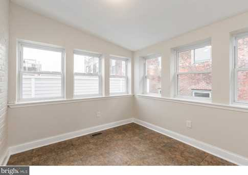 333 W Girard Avenue - Photo 10