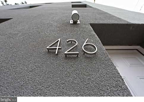 426 W Oxford Street - Photo 2