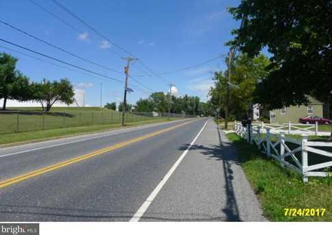 1064 Kings Highway - Photo 2