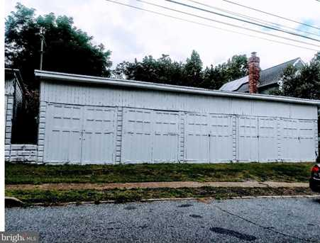 121 N Maple Street - Photo 1