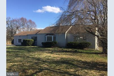 1206 W Lincoln Highway - Photo 1