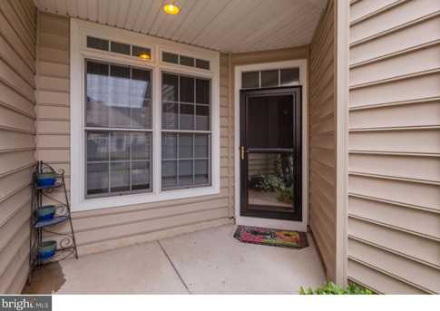 290 Spring Meadow Dr - Photo 4