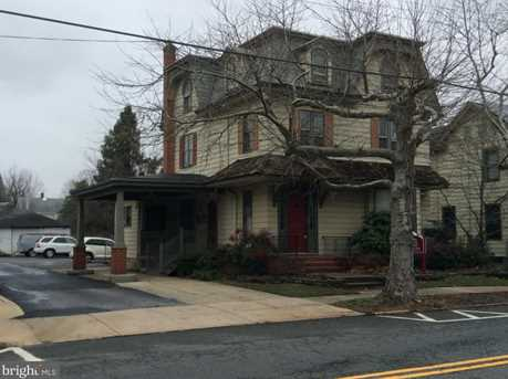 39 East Ave - Photo 1