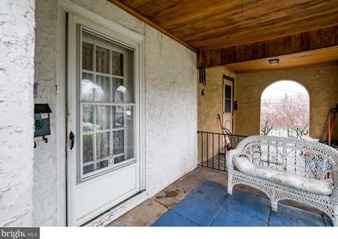 395 Lakeview Avenue - Photo 2