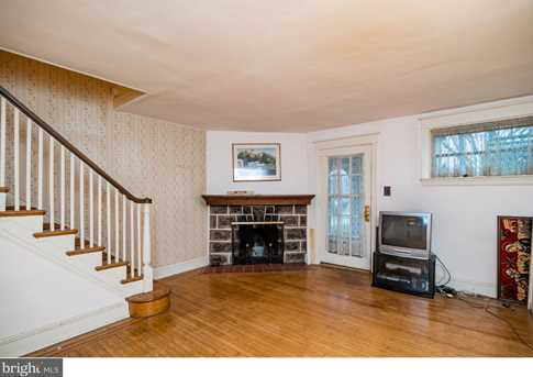 395 Lakeview Avenue - Photo 4