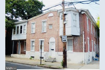 529 E 9th Street - Photo 1
