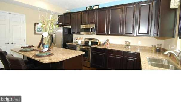 632 Barrie Rd - Photo 4