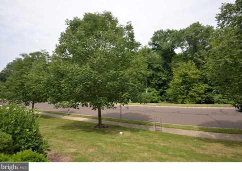 219 Creekside Drive - Photo 2