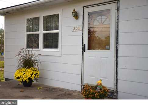 200 Scammell Dr - Photo 2
