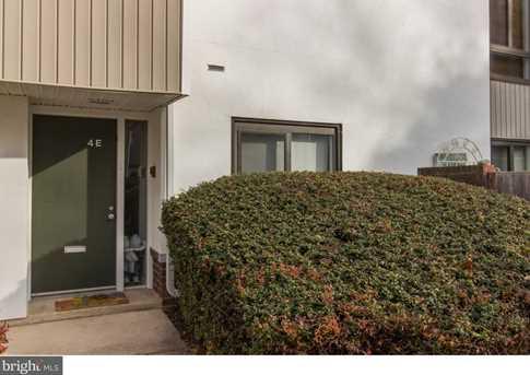 1750 Oakwood Terrace #4E - Photo 2