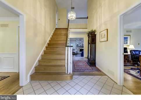 1 Willow Point - Photo 2