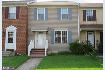 320 Cold Spring Place - Photo 1