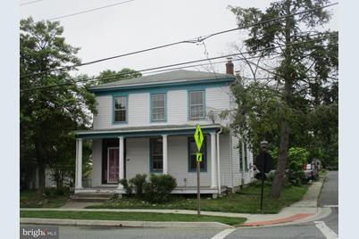 427 Biddle Street - Photo 1